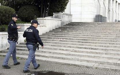 Roma: sparisce dopo lite in locale, 17enne trovato in gravi condizioni