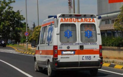 Incidente a Benevento, auto si ribalta: morta 22enne