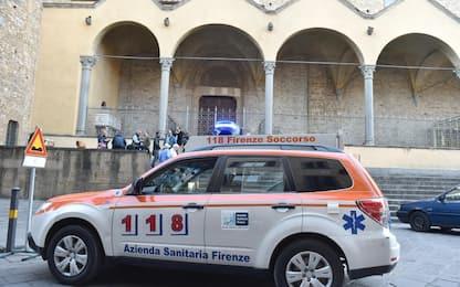 Firenze, un morto dopo crollo cornicione
