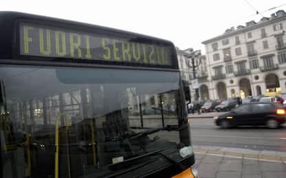 Reagì all'aggressione di tre ragazzi: autista licenziato nel Pavese
