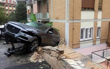 01_Auto_Impazzita_Roma