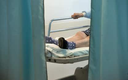 Figlia di malato di demenza scrive al ministro: separati in ospedale