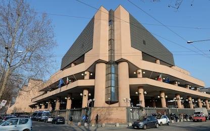 Crolla soffitto di un'aula del tribunale di Torino prima di un'udienza