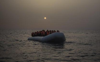 Lampedusa, proseguono i mini sbarchi sull'isola, ma il Centro è pieno