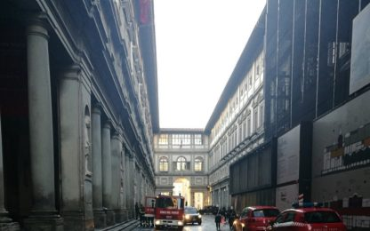 Principio di incendio agli Uffizi di Firenze: fulmine su centralina