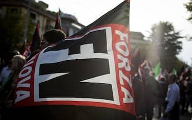 bandiera_forza_nuova_ansa