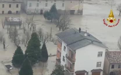 Esonda l'Enza, oltre mille evacuati