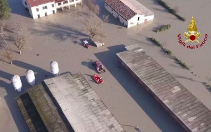 Allagamenti in Emilia, Lentigione sommersa vista dal drone. VIDEO