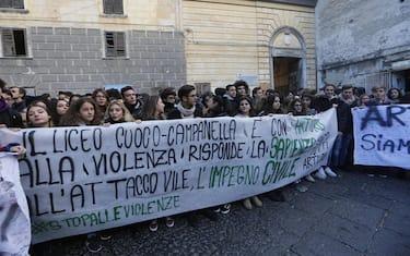 07_Corteo_Napoli_Ansa