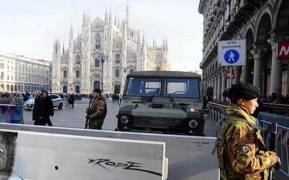 Milano, chiamata anonima segnala bomba in Duomo: è un falso allarme