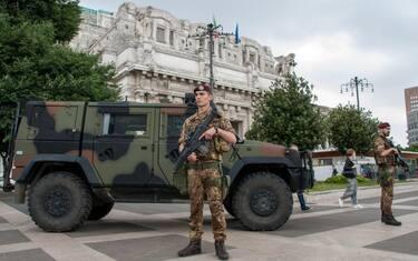 militari_milano_ansa