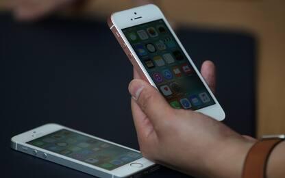Apple, arriva la funzione per evitare rallentamento dei vecchi iPhone