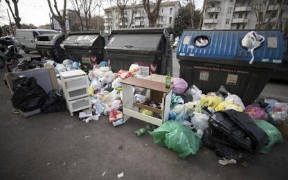 Roma, trasportano e abbandonano illecitamente rifiuti: multati