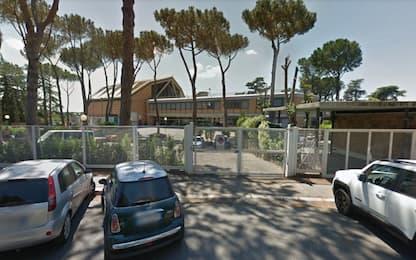 Abusi su una studentessa, arrestato a Roma professore di un liceo