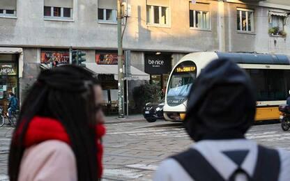 Milano, sprangate in testa a un passante: è grave. Fermato aggressore