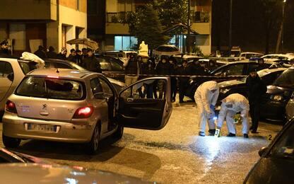 Agguato a Napoli, spari contro auto: uccisi due uomini