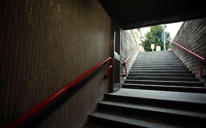 Milano, palpeggia turista in metro: arrestato per violenza sessuale