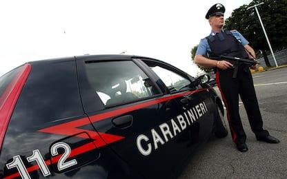 Aprilia, fuggono all'alt: carabinieri accerchiati per evitare arresto