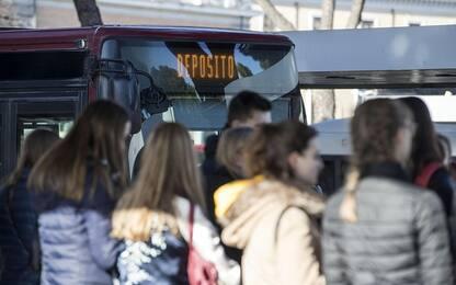 Sciopero 8 marzo: caos trasporti a Roma. Annullati 104 voli a Milano