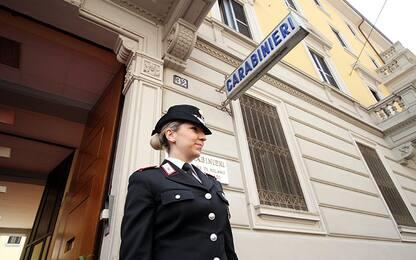 Catania, l'ex la aggredisce e lei manda messaggio a maresciallo: salva