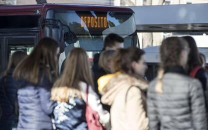 Benevento, guida ubriaco autobus con a bordo bambini: patente ritirata