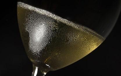 Brindisi, sequestrate 14mila bottiglie di falso Prosecco