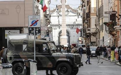 """Tir """"buca"""" la sicurezza a Roma e arriva fino a via del Corso"""