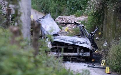 Esplode un'auto nel Vibonese, un morto e un ferito. Indaga l'antimafia