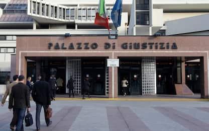 Molesta donna al Tribunale di Napoli: 33enne ai domiciliari