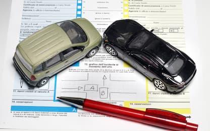 Falsi incidenti per truffare le assicurazioni, 9 arresti nel Napoletano