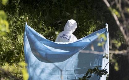 Corpo carbonizzato di una donna trovato in un parco di Roma