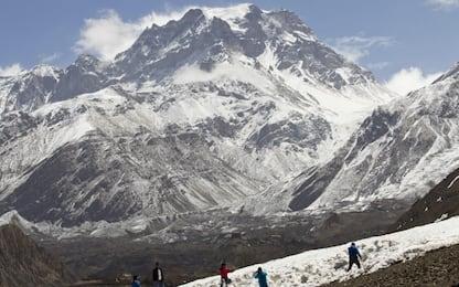 Nepal, alpinista italiano muore scalando una delle vette dell'Himalaya