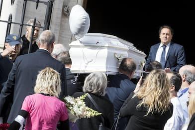 """Pamela, i funerali a Roma. La mamma: """"Ti hanno massacrata ma sei viva"""""""