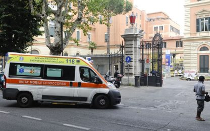 Roma, bimbo ferito in casa da colpo di pistola: morte cerebrale