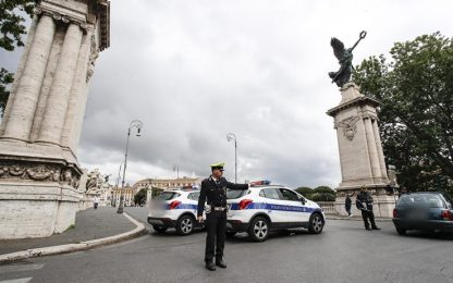 Roma, voragine in via San Pio X vicino a San Pietro: chiusa la strada