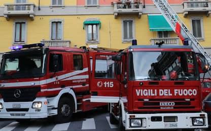 Incendio in un appartamento a Cuneo, evacuato l'edificio