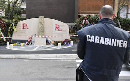 Vandalismo contro monumento vittime via Fani, denunciato un uomo