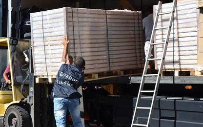 Somma Vesuviana, sequestrate 9 tonnellate di sigarette di contrabbando