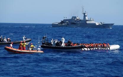 Migranti, a Lampedusa otto sbarchi in 24 ore