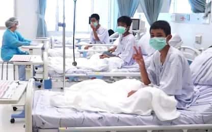 Thailandia: ragazzi salvati dalla grotta lasciano l'ospedale
