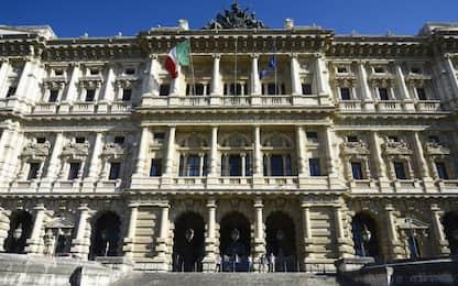 Roma, cassazione annulla licenziamento autista assenteista in malattia