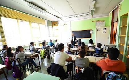 Uk, pochi insegnanti nelle scuole: governo stanzia sussidi in contanti