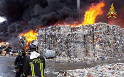 Incendio a Caivano nel luglio 2018, stop a imprenditore per un anno