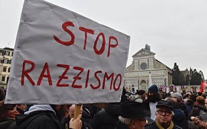"""Censis: italiani attratti da """"uomo forte"""", per il 70% c'è più razzismo"""