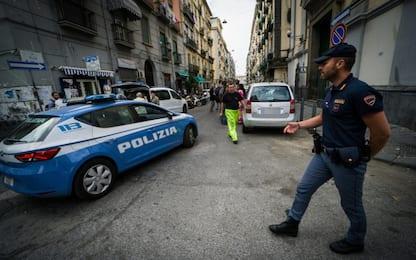 Tentata rapina, ragazzo 22enne accoltellato nella notte a Napoli