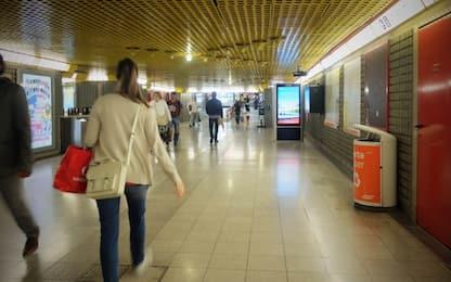 Milano, attiva 9 volte la leva di emergenza della metro: denunciato