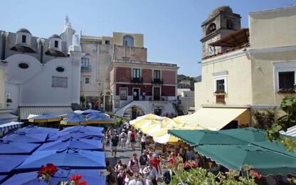 Capri, troppa folla in piazzetta. Sindaco chiede più controlli