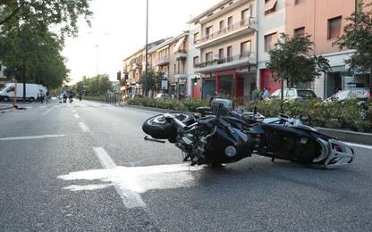 Brescia, travolse e uccise 2 pedoni: motociclista condannato a 8 anni