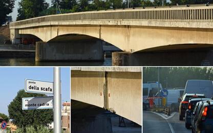 Fiumicino-Ostia, chiuso il ponte della Scafa: i pendolari protestano