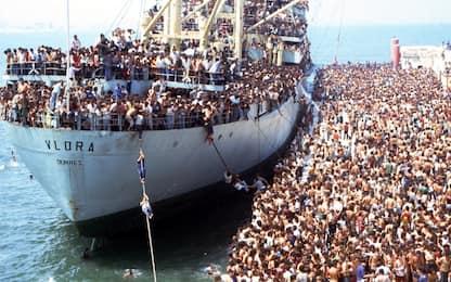 Migranti, i grandi sbarchi di albanesi in Italia negli anni '90